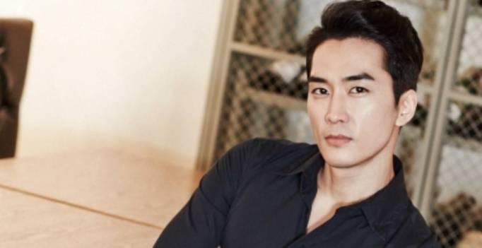 Tanggapan Song Seung Heon Tentang Pujian Untuk Aktingnya Sebagai Penipu Cerdaas Di Drama ' Player '