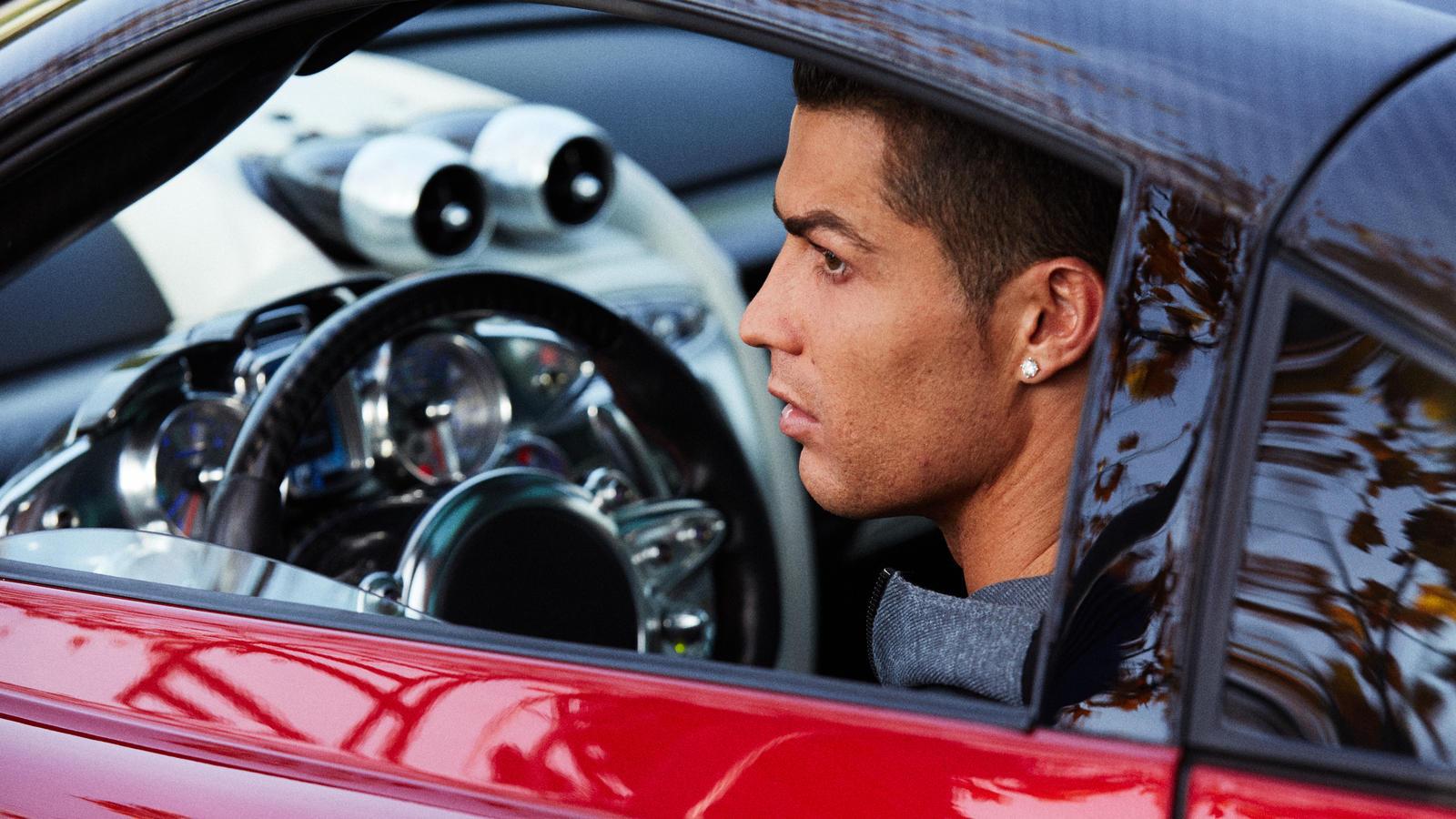 3 Mobil Mewah Milik Cristiano Ronaldo